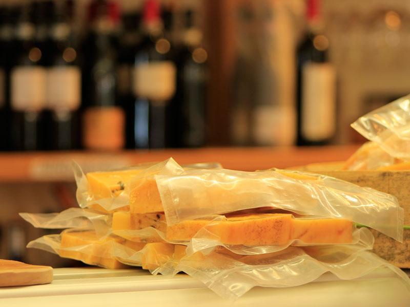 formaggio bitto confezionato