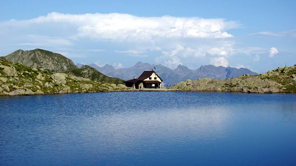 piazzotti lago passeggiata